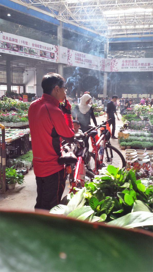 smokerkunmingflowermarket2